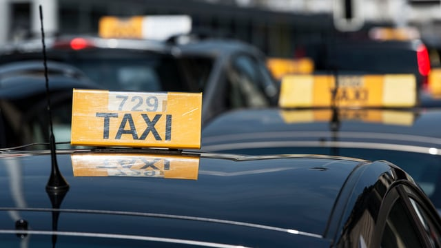 Taxis in der Warteschlange