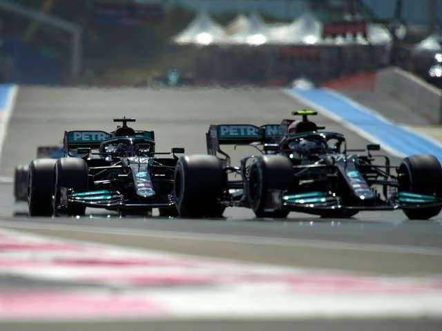 Valtteri Bottas und Lewis Hamilton.