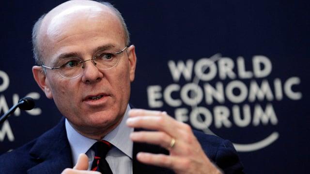 Greco gestikuliert auf einem WEF-Forum 2013.