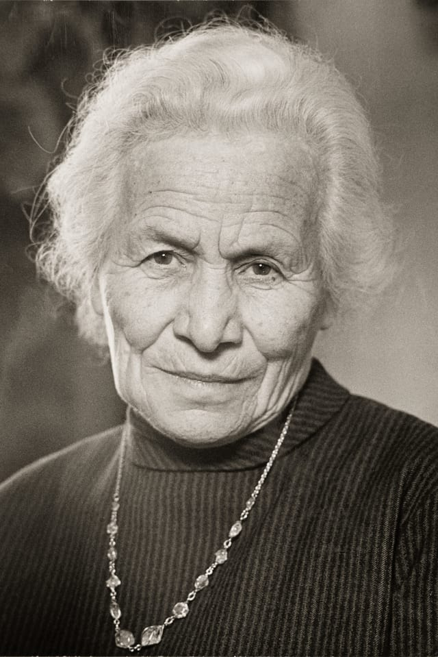 Porträt der Frutigtaler Autorin Maria Lauber.