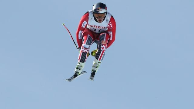 Erik Guay bei einem Sprung.