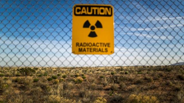 Warnschild vor radioaktivem Material