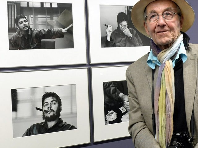 Burri neben Fotos von Fidel Castro