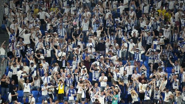 Finnland-Fans in St. Petersburg