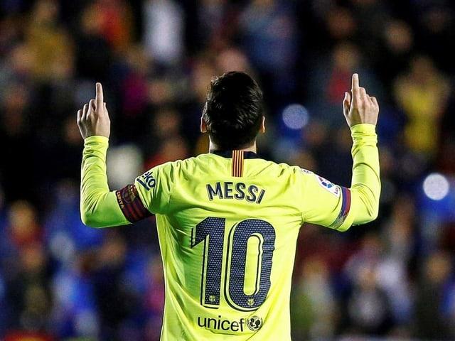 Lionel Messi jubelt.