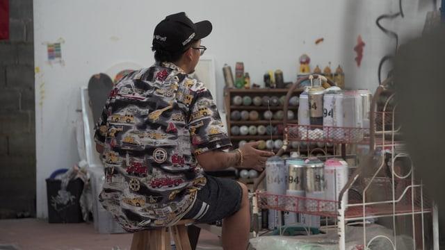 «Headache Stencil» in seinem Atelier.