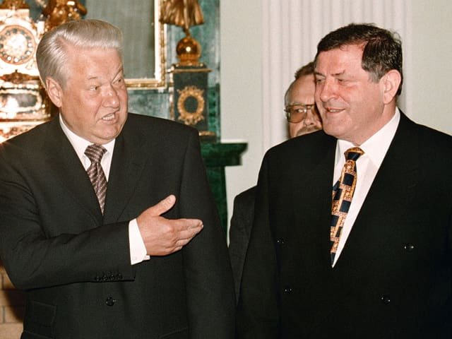 Mečiar  bei einem Treffen mit dem damaligen russischen Präsidenten Boris Jelzin.