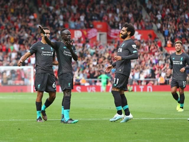 Sadio Mané bejubelt seinen Treffer gegen Southampton mit seinen Mitspielern.