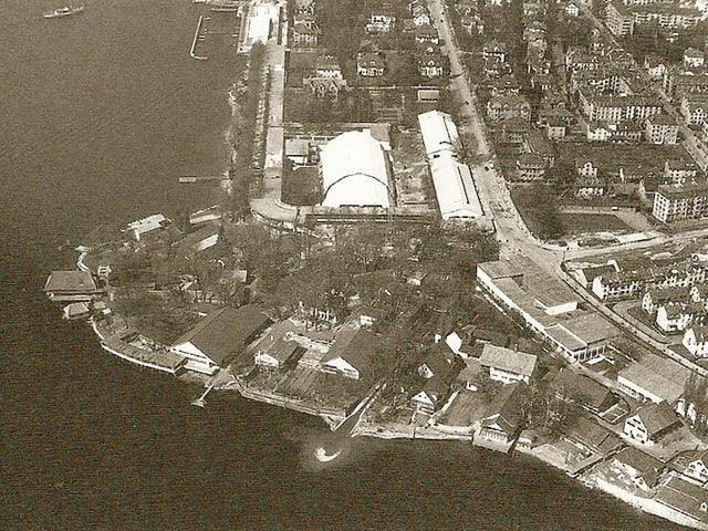 Luftaufnahme des Dörflis an der Landi 1939