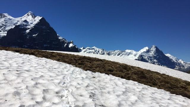 Bei einer Nullgradgrenze oberhalb von 4000 Metern schmilzt der Schnee wieder rasant dahin.