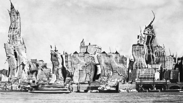 Ein Bild einer deformierten Skyline von New York.