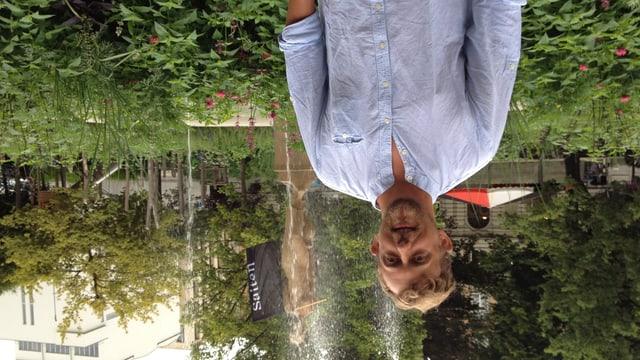 Der Verlagsleiter von «Saiten» Peter Olibet am Samstag 09. August auf dem Festgeläden im Leonhardspark in St. Gallen.