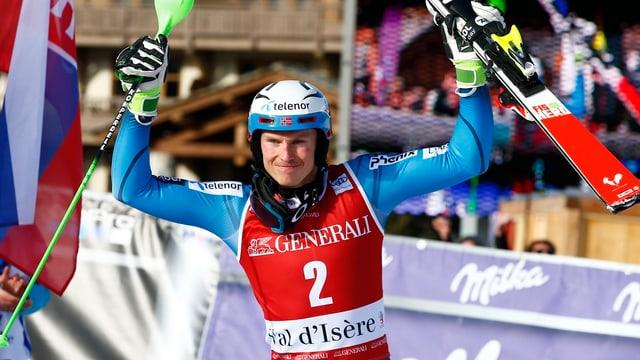 Plaz da podest per Henrik Kristoffersen a Val d'Isère.