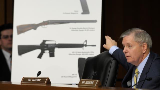 Der republikanische Senator Lindsey Graham spricht im Senat.