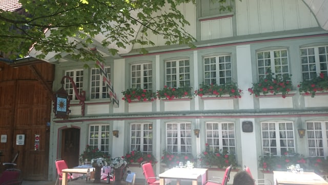 Video «Restaurant Sonne in Wengi bei Büren - Tag 3» abspielen