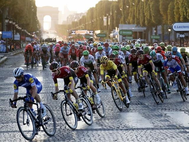 Radfahrer in Paris.