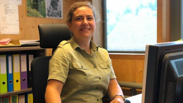 Sophia Steimle in ihrem Büro bei Pro Forst