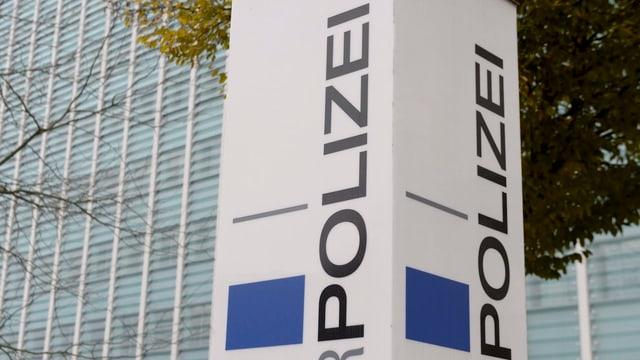 Schild der Luzerner Polizei.