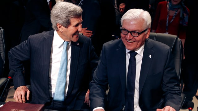 John Kerry und Frank-Walter Steinmeier im Gespräch.