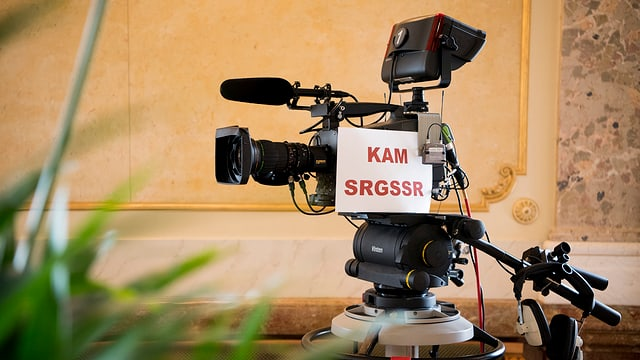 Ina camera da televisiun da la SSR.