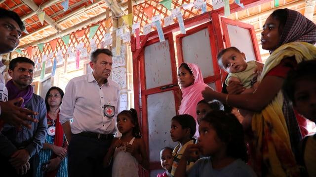 Peter Maurer zu Besuch bei Rohingyas