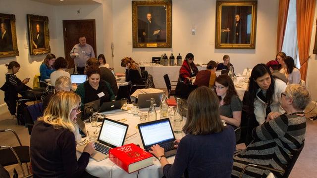 Wikipediakurs für Frauen an der Royal Society.