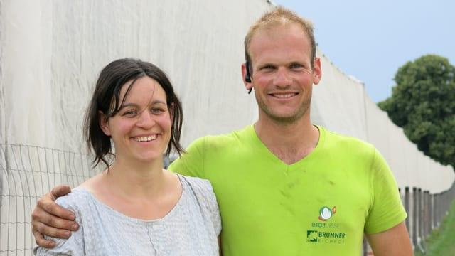 Das Landwirtepaar Lorena und Stefan Brunner.