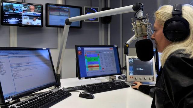 Moderatura radio.