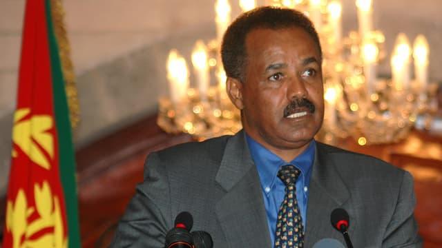 Isayas Afewerki an einer Medienkonferenz (Archivbild von 2004)