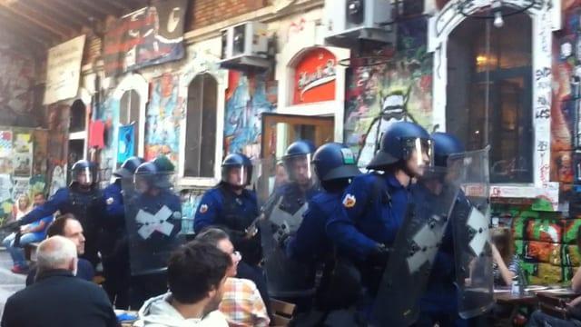Polizei bei der Reitschule Bern.