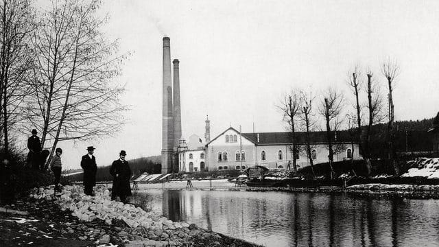 Historisches Bild des Kraftwerks in Rathausen bei Luzern.