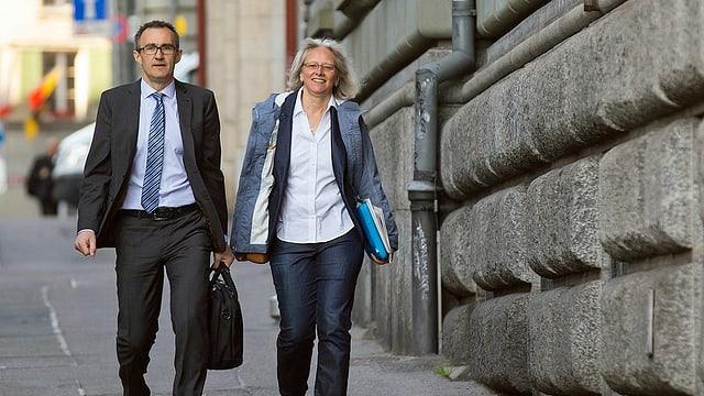 Il secretari general da la PPS, Martin Baltisser e sia substituta, Silvia Bär,