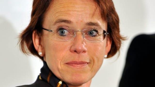 Portraitbild der Basler SP-Finanzdirektorin Eva Herzog.