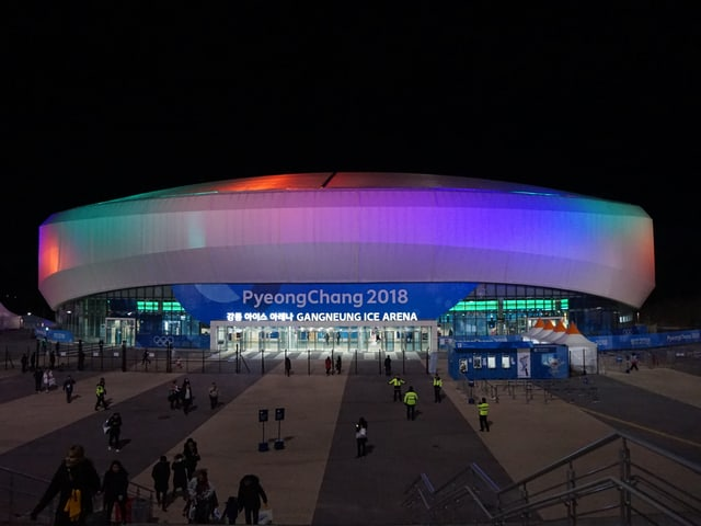 Zig Stadien wurden extra für die Olympischen Winterspiele aufgebaut. So auch die Gangneung Ice Arena.