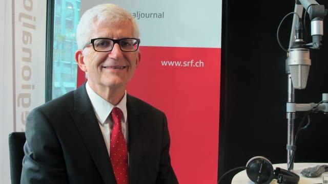 Walter Ammann im Studio von Radio SRF