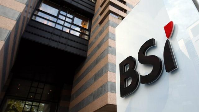 Gebäude mit dem BSI-Logo