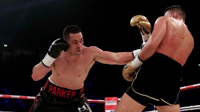 Joseph Parker (links) gegen Hughie Fury.