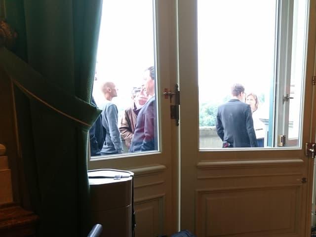 Bundeshausbalkon mit Parlamentariern