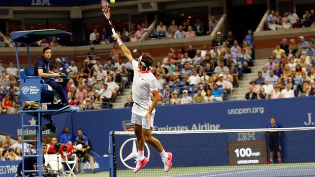 Federer schlug aus allen möglichen und (fast) unmöglichen Situationen Gewinnschläge.