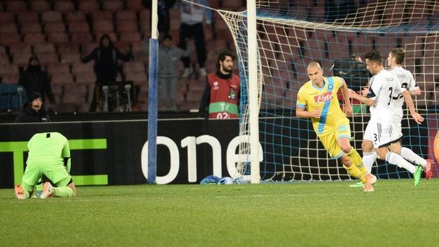 Mit seinem Treffer in der 90. Minute machte Gökhan Inler die Sache klar.