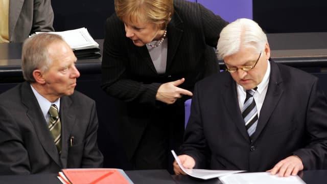 Schäuble, Merkel, Steinmeier im Gespräch