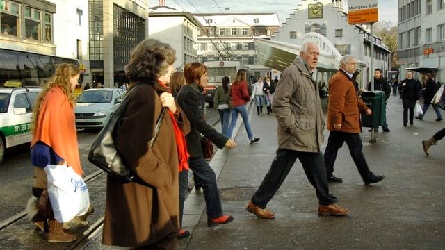 Menschen am St. Galler Marktplatz