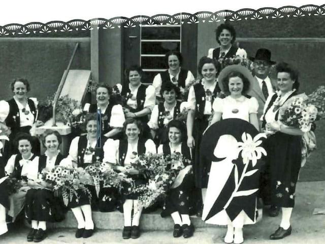 Bild aus den Anfangjahren des Frauen-Chors.