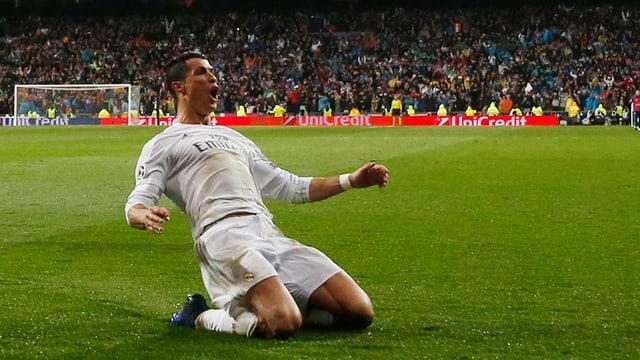 Cristiano Ronaldo sa legra sunter aviar sajettà in gol.
