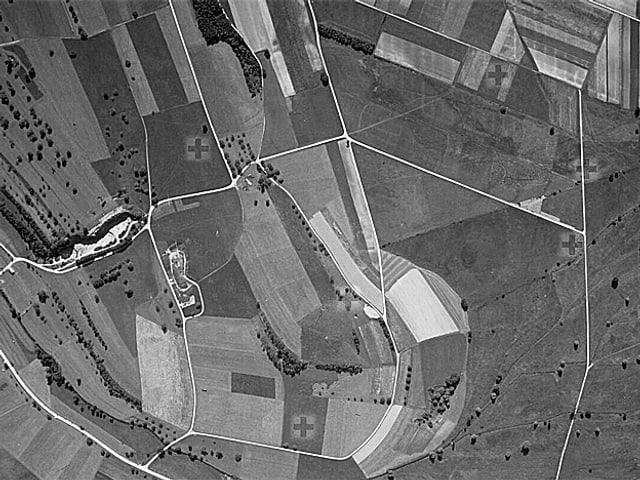 Luftaufnahme Zürich Kloten 1936: Felder so weit das Auge reicht