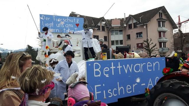 Hochstimmung am Fasnachts-Umzug in Ruswil.
