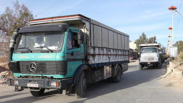 Maletg simbolic: Transports d'agid arrivan en la vischinanza da Damascus en Siria, ils 17 da favrer 2016.