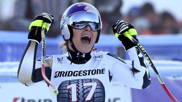 Lindsey Vonn giubilescha suenter la cursa rapida a Garmisch-Partenkirchen.