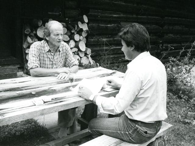 Intervistas cun Ernst Denoth, per il film «Il barun da Planatsch», l'onn 1986.