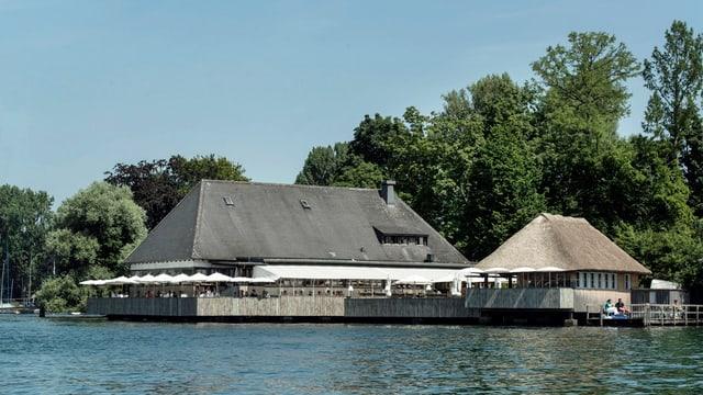 Blick aufs heutige Restaurant Fischstube vom Zürichsee aus